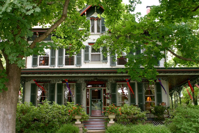Chestnut Hill Inn - Lodging